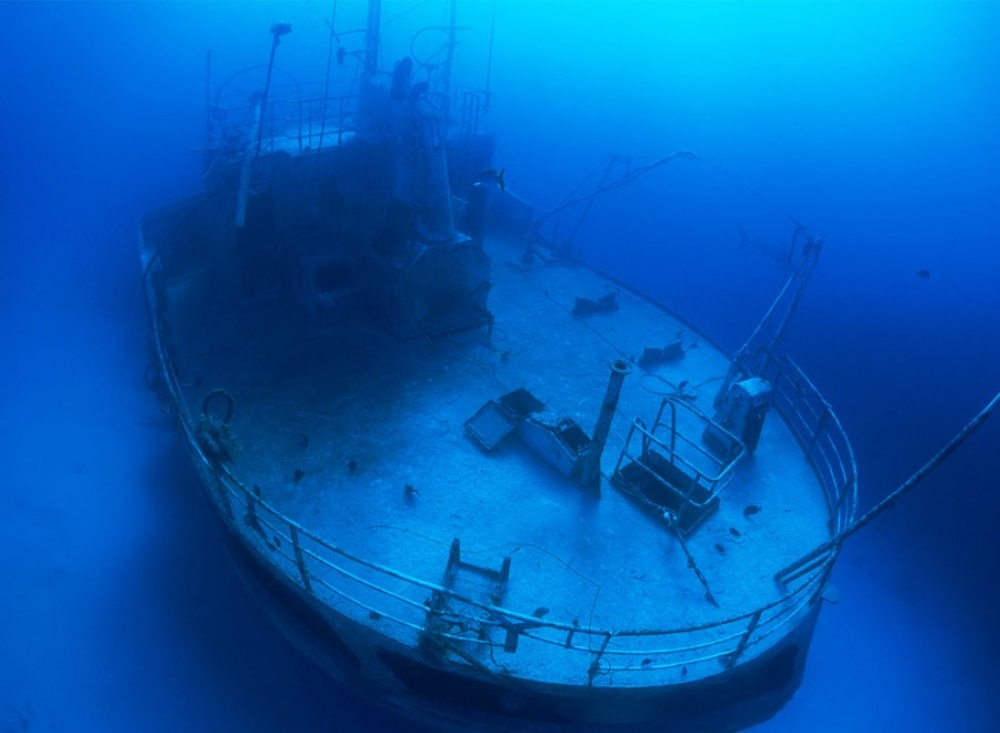 20-ships-which-were-forgotten-by-humans-artnaz-com-7