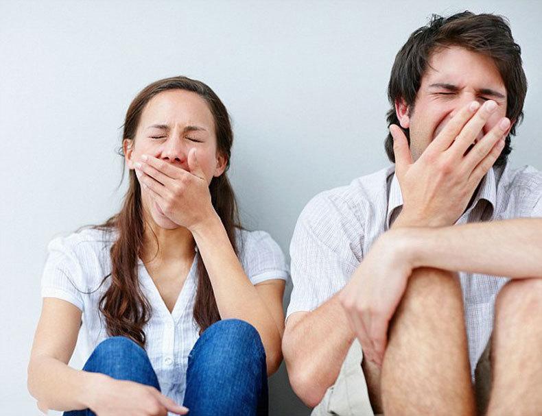 Женщины и мужчины реагируют на недосыпание по-разному