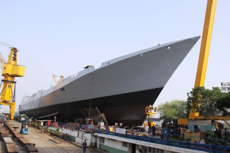 Россия помогла Индии построить эсминец