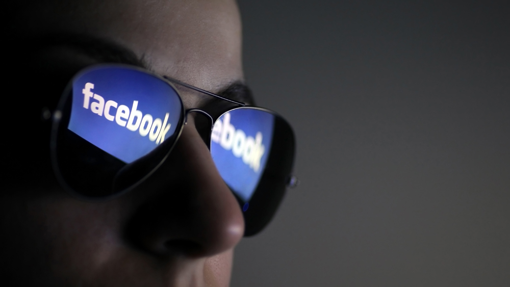 Осужденного за угрозы пользователя Facebook оправдали