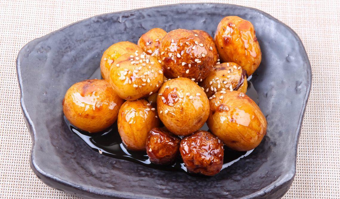 Медовый молодой картофель по-корейски