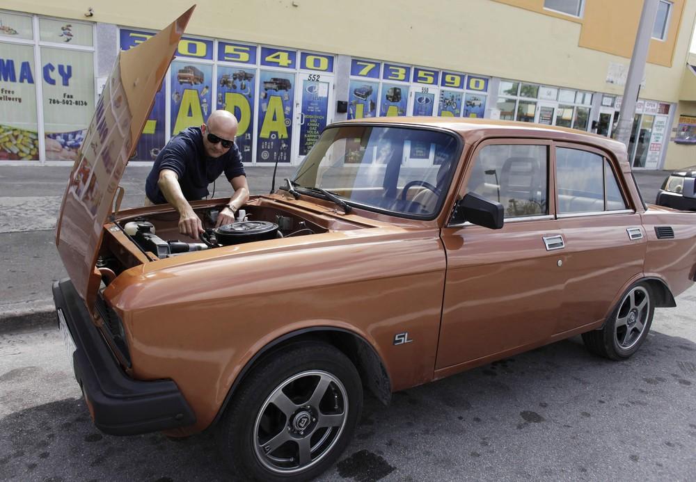 Поставщик запчастей к русским автомобилям из Майами в Гавану