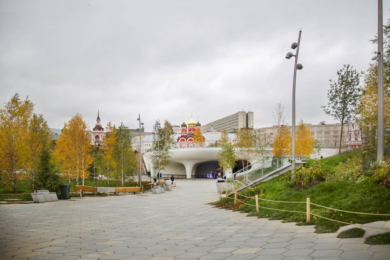 Прогулка по московскому парку «Зарядье»