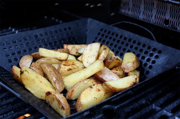Лучший способ приготовить картофель на гриле