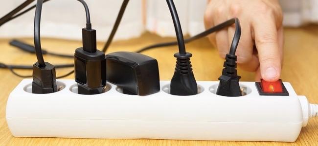 Чем опасны зарядные устройст…