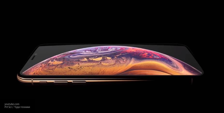 Не выдержали: в Сети появилось видео проверки iPhone Xs и Xs Max на прочность