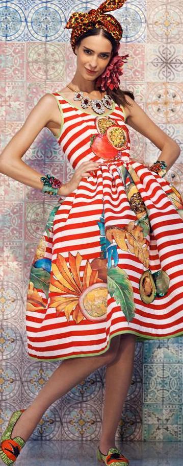 «Сочная» одежда итальянского дизайнера Stella Jean: 20 невероятно «вкусных» образов