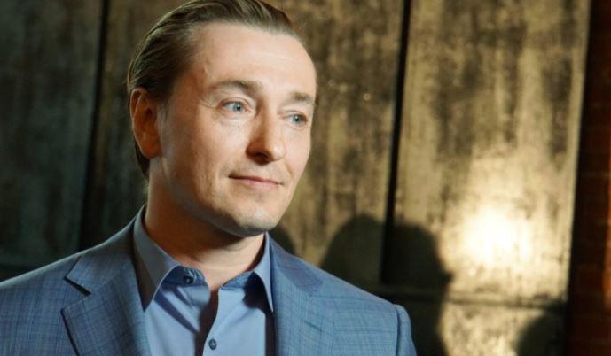 Дюжев рассказал, что Безруков перенес сердечный приступ на сцене Шоу бизнес