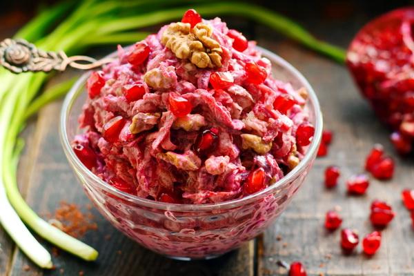 Грузинский свекольный салат – вроде бы обычная свекла, но получается бесподобно вкусно кухни мира,салаты