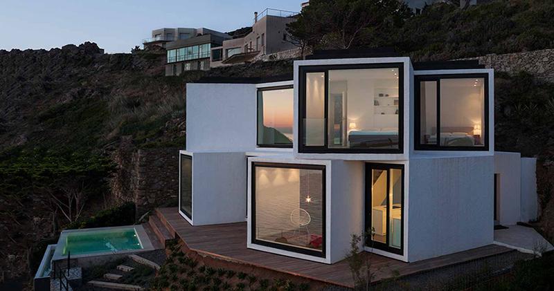 Шикарный дом в стиле хайтек, чья геометрия вдохновлена самой природой