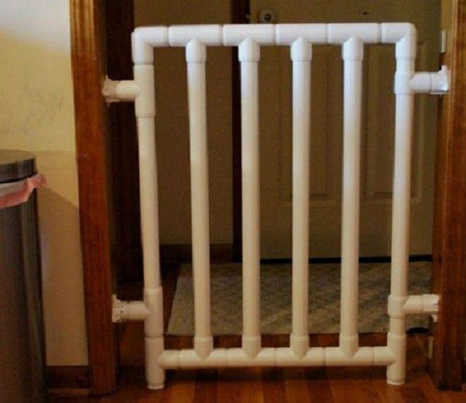 Если у вас маленький ребенок а в комнате нет двери установите изготовленный собственноручно заграждение для дверного проема