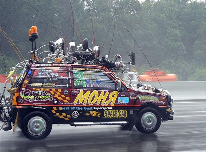 ЗАВОДИСЬ, ГАД: 10 вещей, которые объединяют мужчину и русский автомобиль