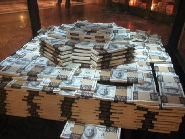 Санкции США принесли неожиданный результат: в Россию возвращаются «Большие деньги»