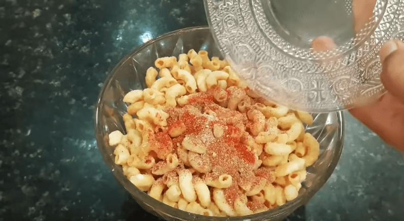 Так макароны вы еще точно не готовили. Понравится всем макароны, чтобы, чипсы, можно, хорошо, масло, нужно, паприка, макарон, достаточно, перемешиваем, крахмал, добавляем, Засыпаем, небольшим, перерывом, фритюр, своего, одной, получился