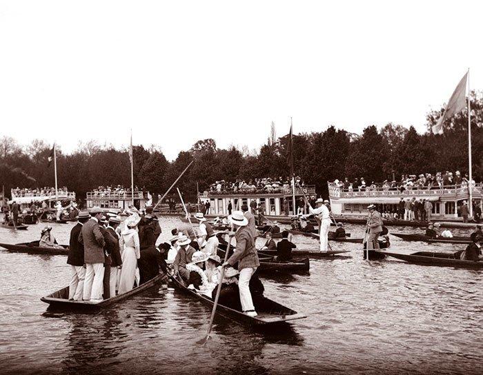 Столкновение лодок в Оксфорде, Англия ХХ век, винтаж, восстановленные фотографии, европа, кусочки истории, путешествия, старые снимки, фото