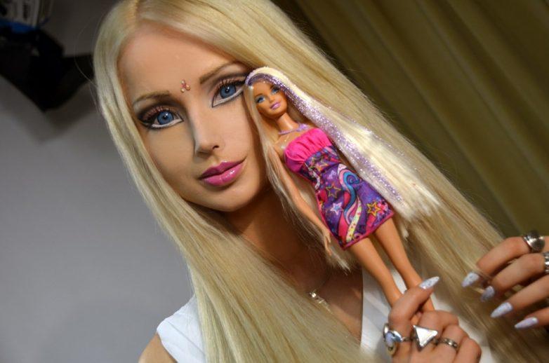 """10 самых-самых убойных представителей, подвергшихся действию """"Барби-вируса"""" и сделавших из себя... кукол"""