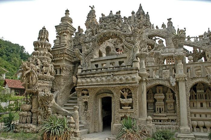 «Идеальный дворец» Фердинанда Шеваля (Франция).