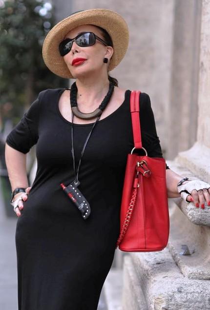 Мода вне возраста и времени: безупречно стильные образы пожилых людей