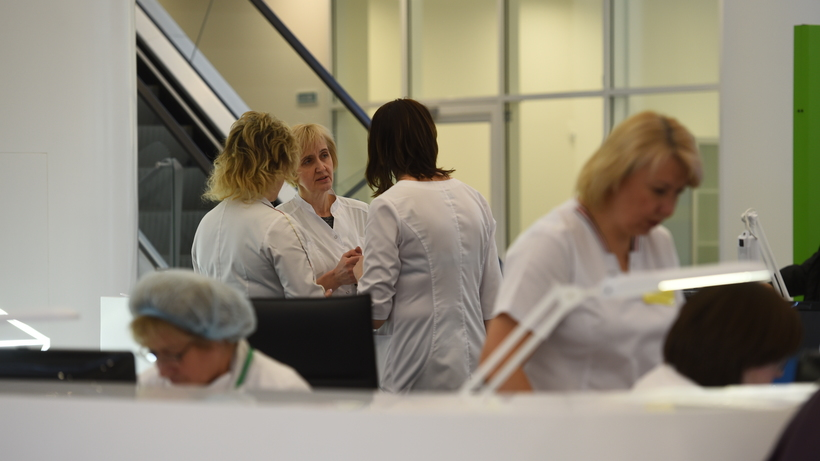 Девушка вылечилась от коронавирусной инфекции в Москве