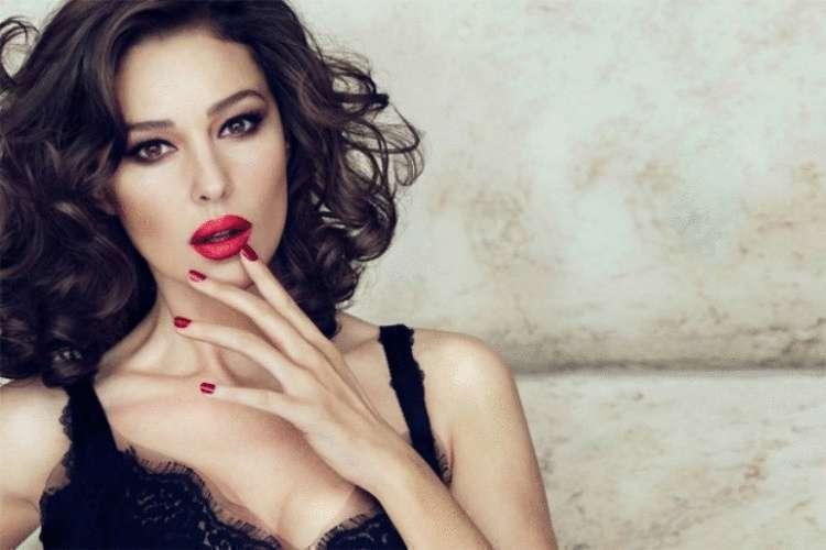 Эти фото доказывают почему Моника Белуччи самая знойная и красивая женщина современности супер