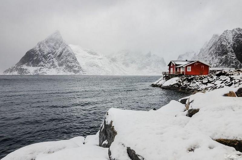 14. Красный дом в снегу. Новегия.