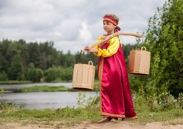 В пору задуматься: Что умела делать  десятилетняя  девочка , живущая в селе 100 лет  назад