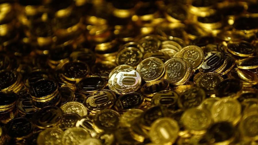 Размер среднего депозита россиян составил 200 тысяч рублей Россия