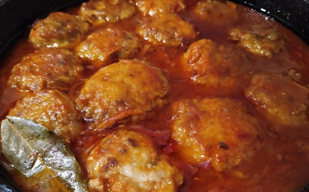 Рыбные тефтели в томатном соусе. Очень вкусные! рыбные блюда