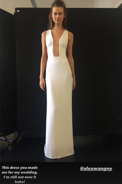 Бехати Принслу впервые показала свадебное платье, в котором выходила замуж за Адама Ливайна Новости моды