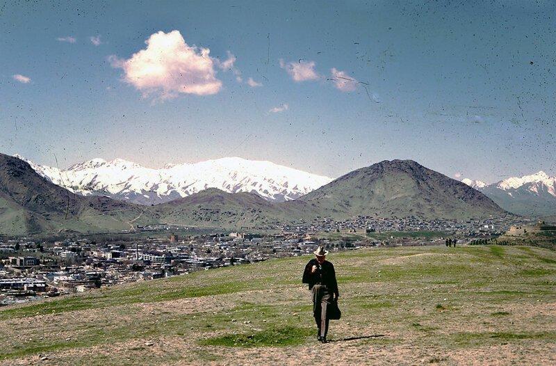 Идиллические снимки были сделаны в 1967 году, когда профессор (на снимке) работал на ЮНЕСКО в Афганистане афганистан, жизнь, кабул, мир, прошлое, фотография, фотомир