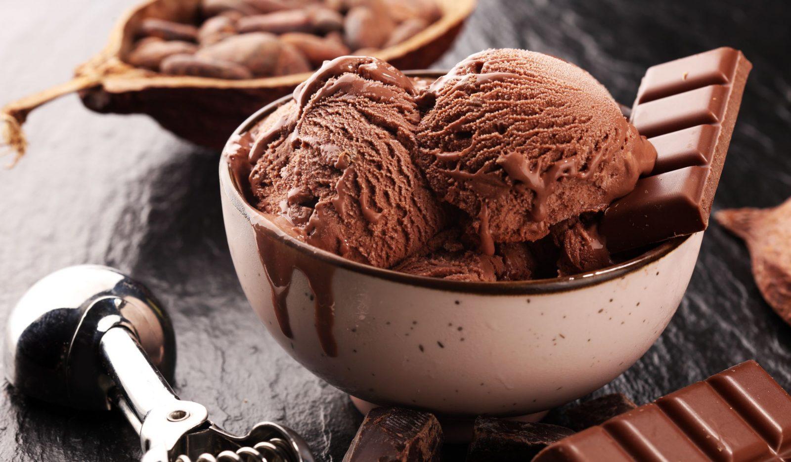 Шоколадное мороженое из сливок и сгущёнки десерты,мороженое