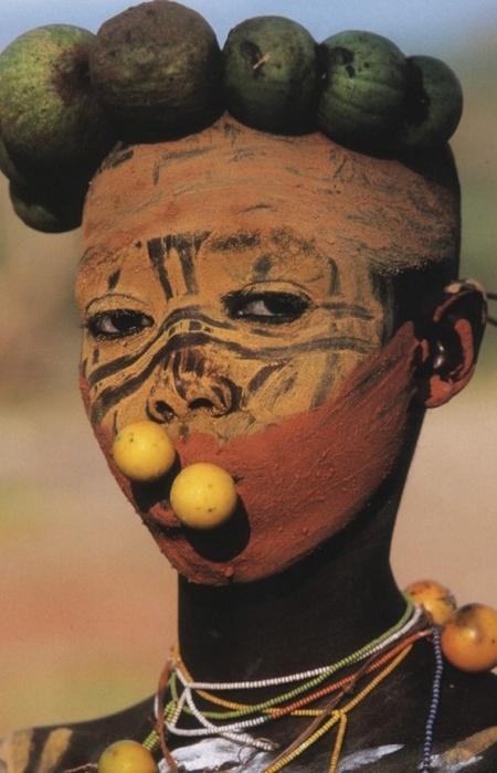 Эфиопский пирсинг.