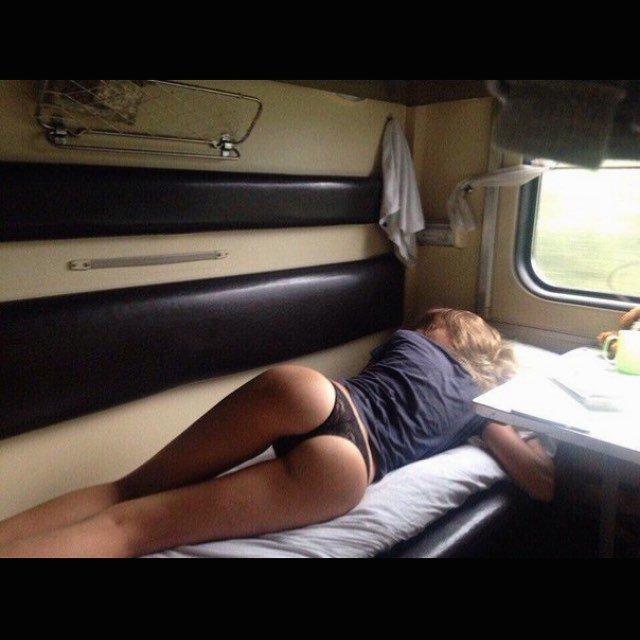 Постой, паровоз: железнодорожная романтика во всей красе девушки, купе, плацкарт, поезд, прикол, ржд, россия, юмор