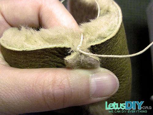 Теплые домашние тапочки из старого меха
