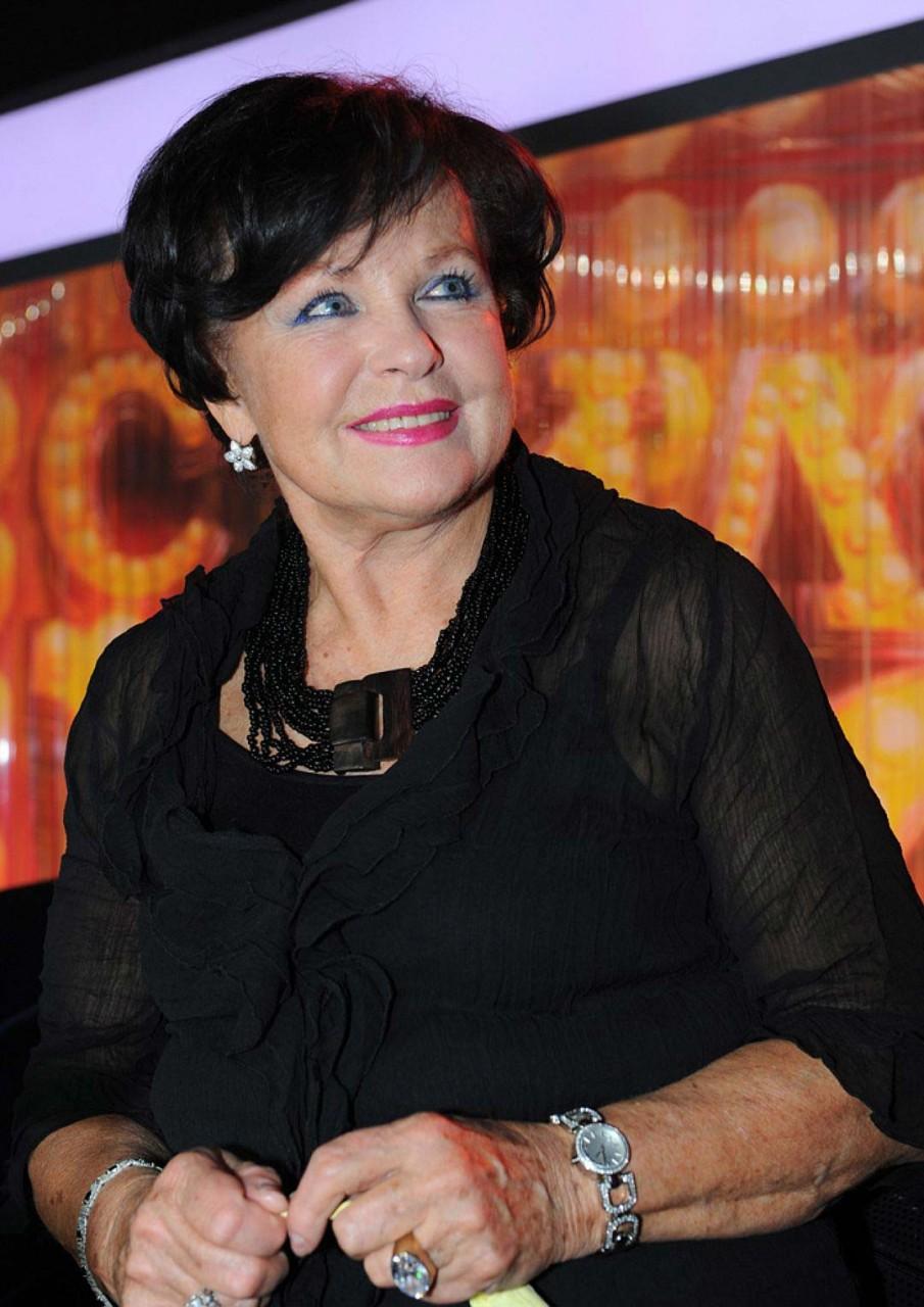 Звезда советского кино Наталья Фатеева отказалась от новорожденного внука ради своры бездомных кошек