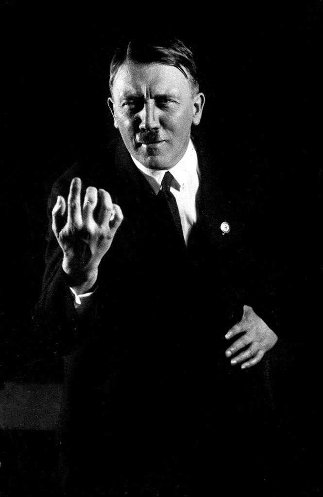 Очень много Гитлера