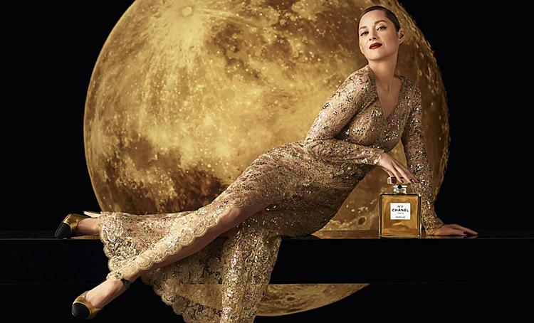 От Марион Котийяр на Луне до Маты Хари в сказке: 8 ароматов декабря Красота,Бьюти-новинки