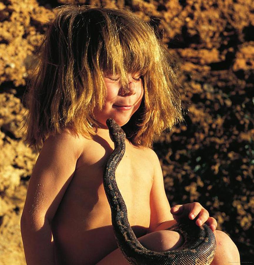 Знаменитая девочка-Маугли африка, детство