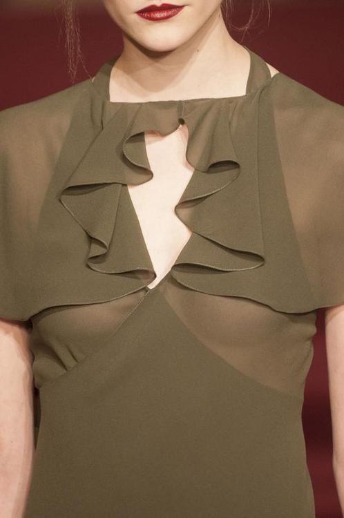 Идеи оригинального оформления верха блузок и платьев 2