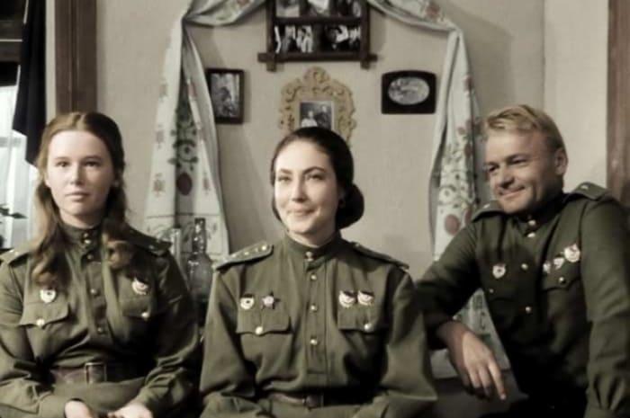 1 июня исполняется 63 года актрисе театра и кино Евгении Симоновой