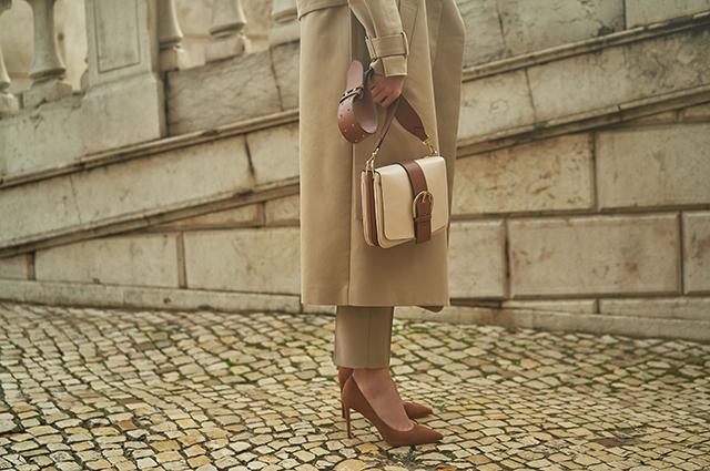 Радуемся мелочам: шляпки, сумочки и туфли в новых весенних лукбуках Лукбук