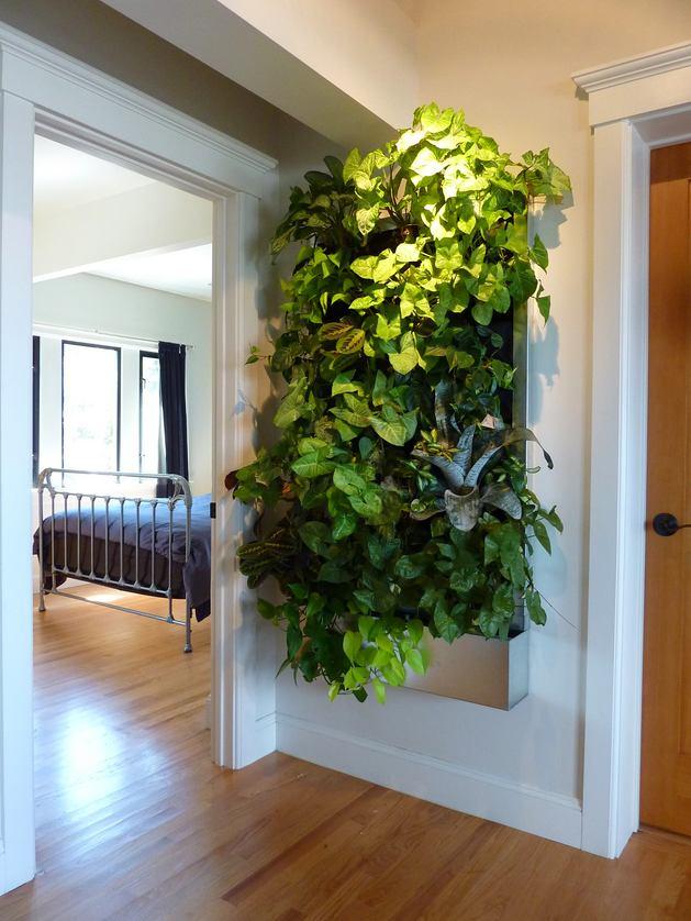 Декор в цветах: черный, серый, белый, темно-зеленый. Декор в стиле экологический стиль.