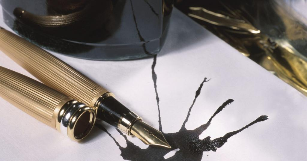 Как убрать чернила с бумаги без следов: обзор средств и полезные советы