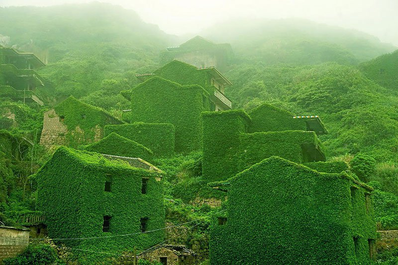 Заброшенная деревня в Китае, поглощенная природой
