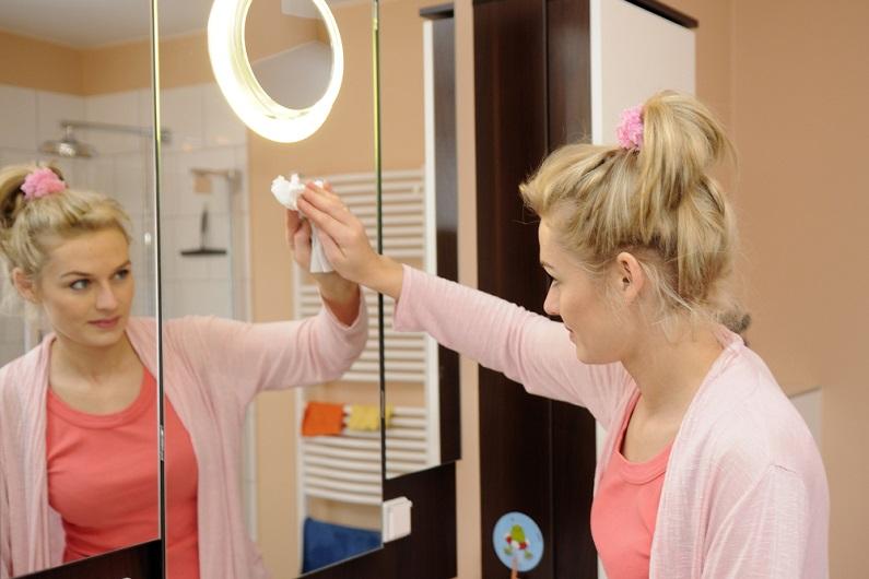 Как помыть зеркало: 11 народных средств