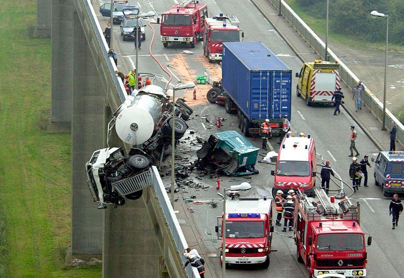 Самые страшные аварии на мировых дорогах