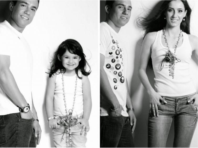 Отец и 3-летняя дочь решили воссоздать снимки погибшей мамы