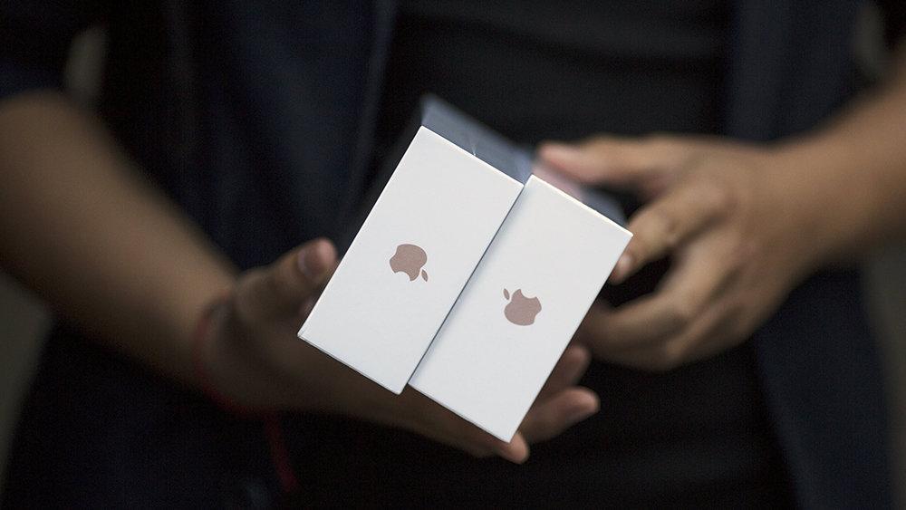 Samsung и Евросеть оштрафовали за сравнение смартфонов с продукцией Apple