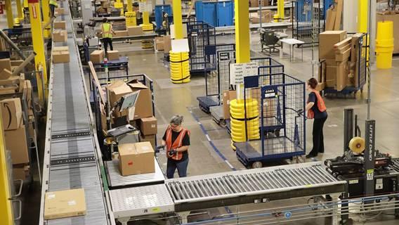 Компания Amazon повысила зарплату сотням тысяч своих сотрудников Amazon, повышение, работников, электронной, компании, отказалась, связано, более, платы, заработной, компания, размере, Компания, сотрудника, работы, стажа, различных, например, факторов, зависит