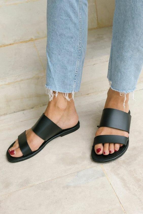 Обувь на лето: базовые и универсальные модели на любой случай